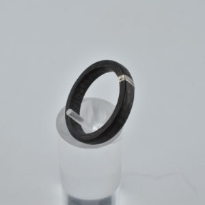 Carbon Ring mit Weißgold