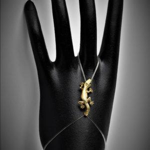 Naturgetreuer Gecko – Arm – Finger oder Fußband
